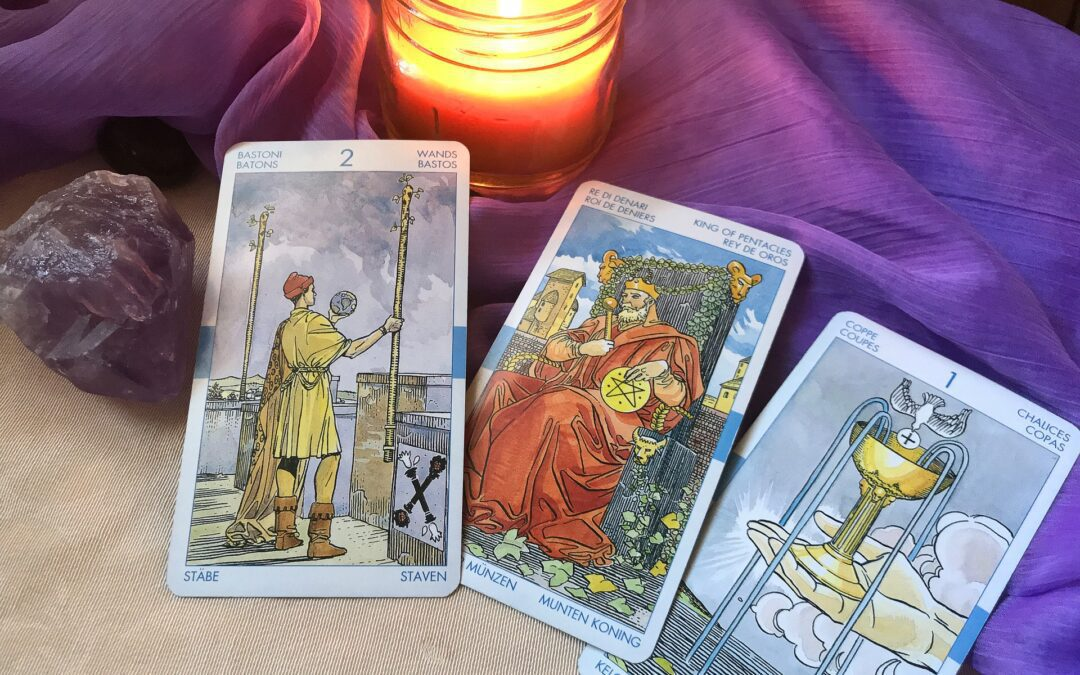 7 Places Where You Can Do Tarot Readings